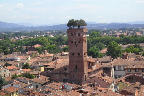Walking Tour of LUCCA